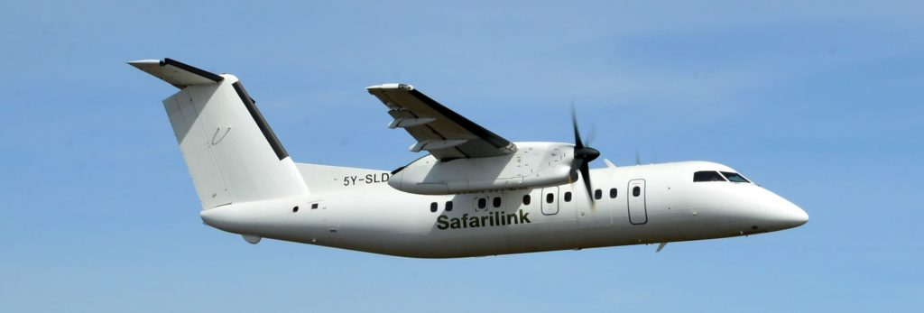 A SafariLink Bombardier Dash 8 plane